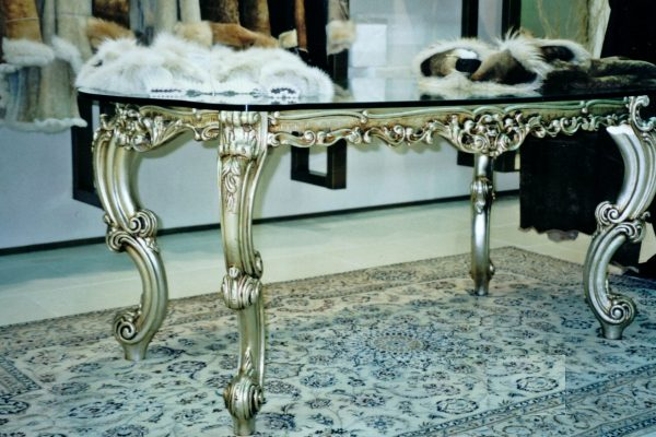 Luxury silver & glass dinner table