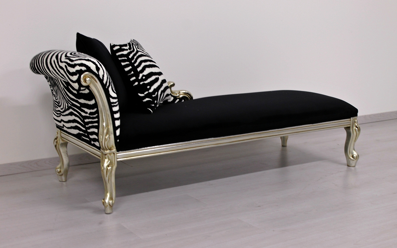 Chaise Longue Cleopatra The Classic Lightweight Baroque Style Becomes Of Contemporary Design Orsitalia S Luxury New Chaises With One Arm